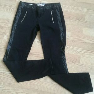 Hot kiss black jeans